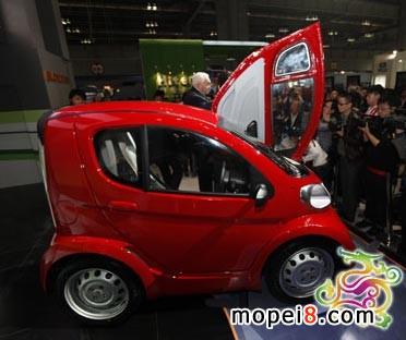 沃佩都市电动车的亮相吸引不少媒体的聚焦